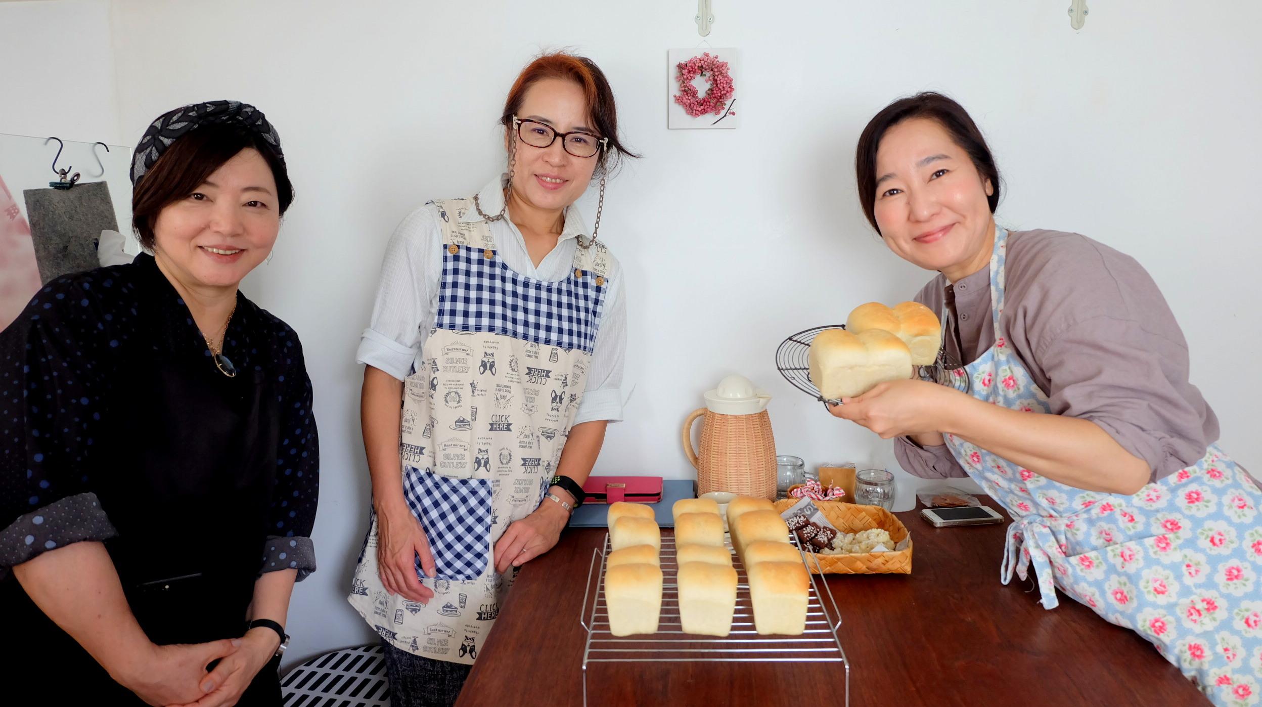 10月15日(火)は「パウンド型で山型食パンを作ろうの会」でした。